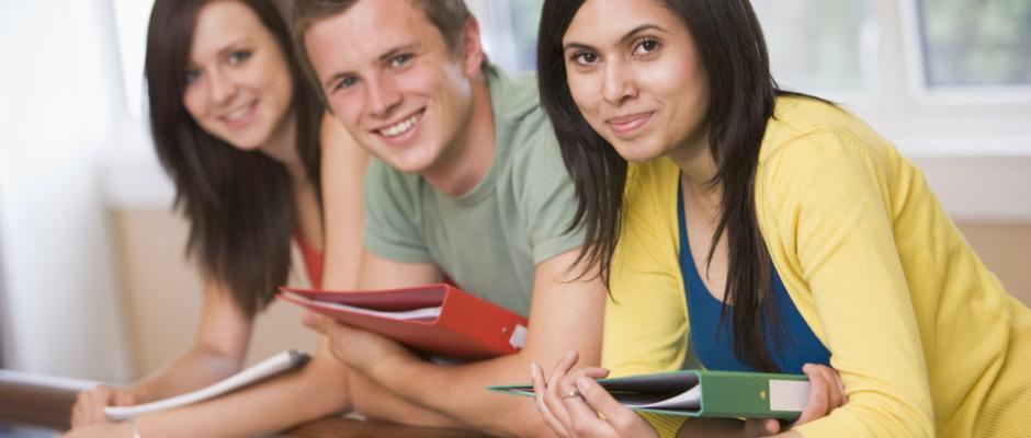 نماینده مراکز آموزشی کانادا و آمریکا